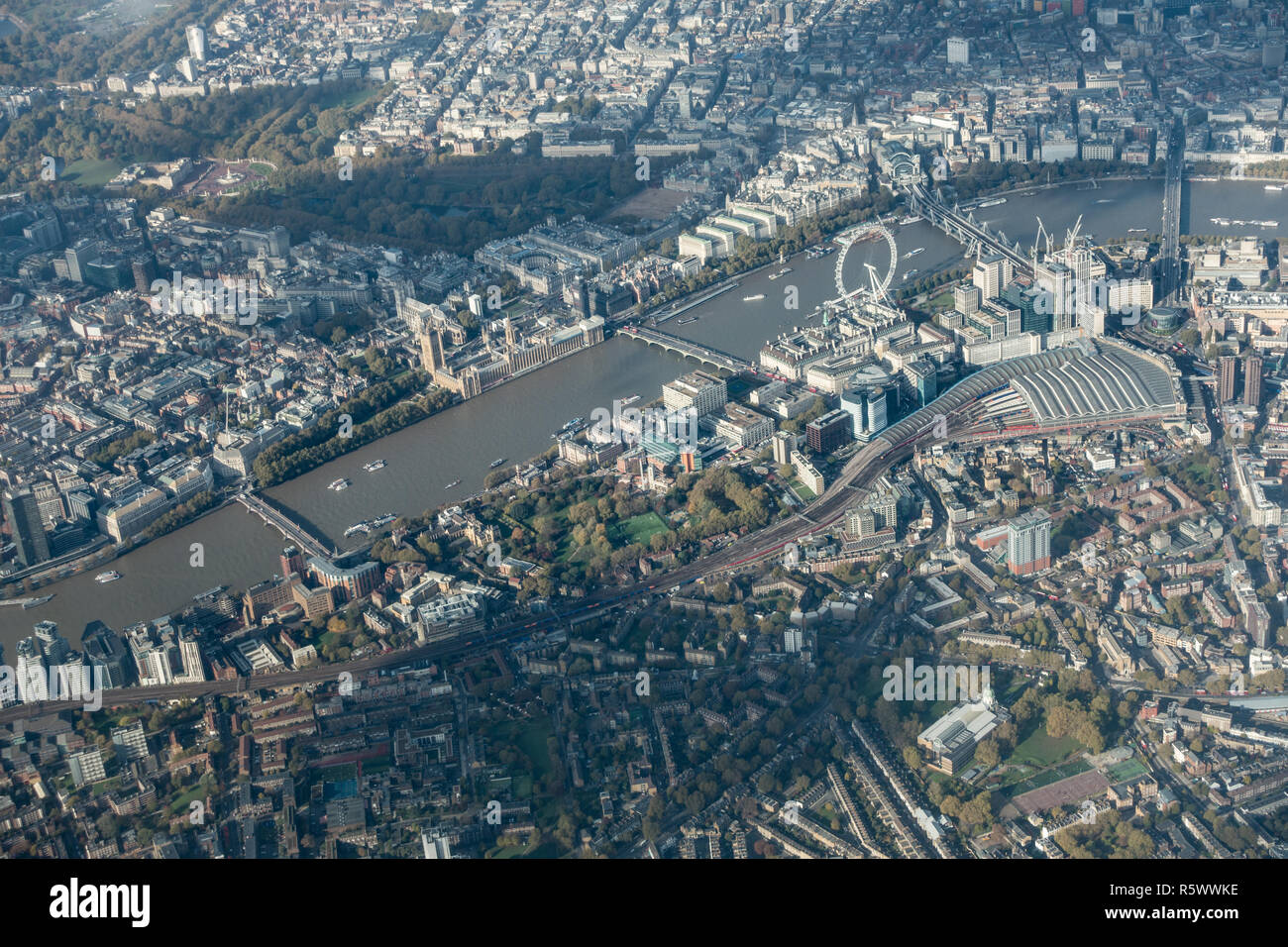 London aerial shot showing key tourist attractions and places including Buckingham Palace, Nelson's column and the Houses of Parliament - Stock Image