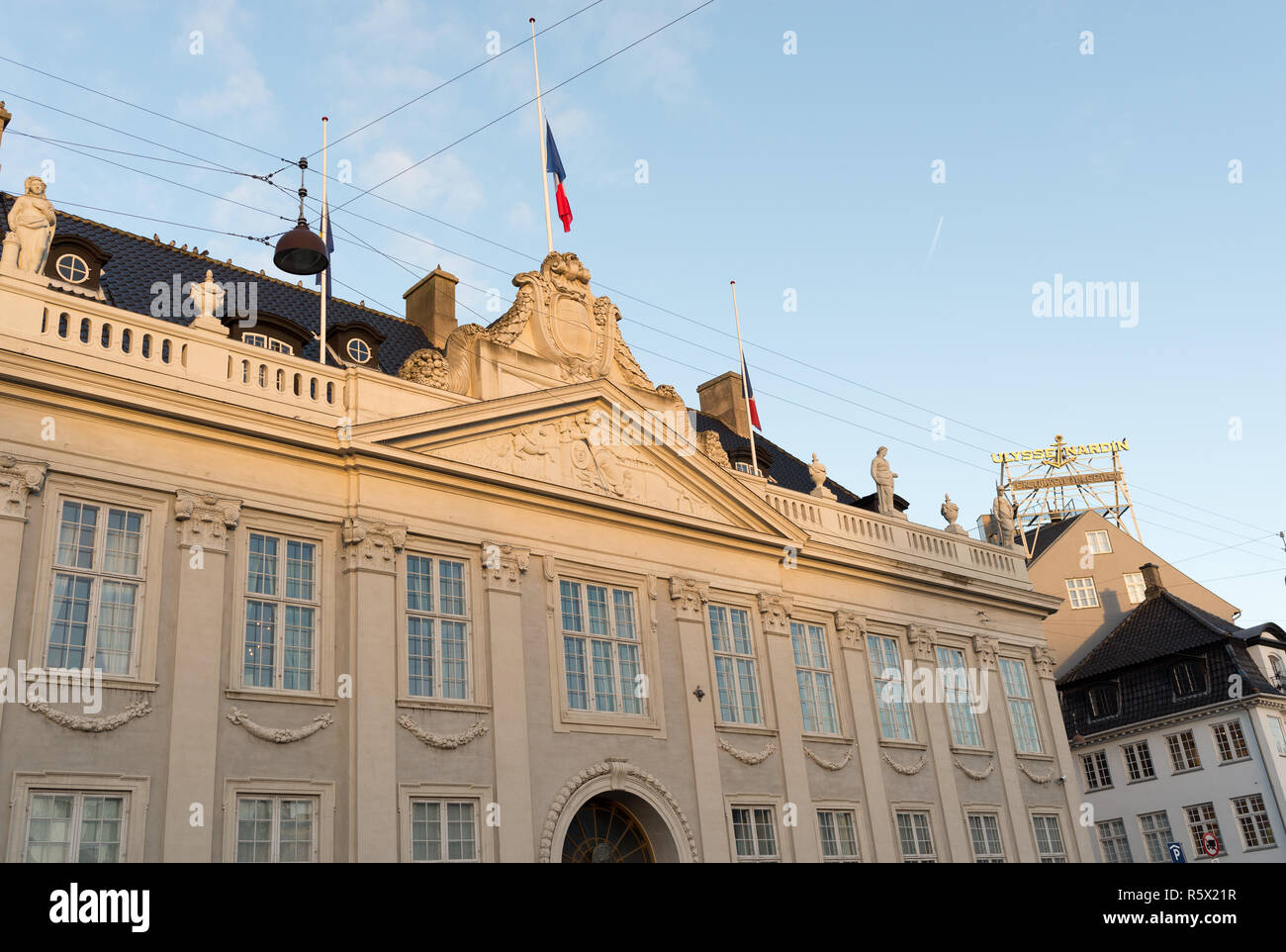 The Embassy of France in Copenhagen after the November 2015 shootings with flag on half-staff - Stock Image