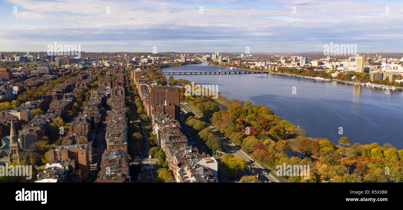 Rows of building give way to the Charles River in this airial view south from Boston Common - Stock Image
