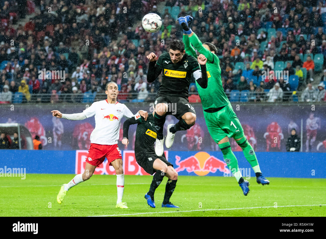 Yann Sommer Goalkeeper High Resolution Stock Photography And Images Alamy