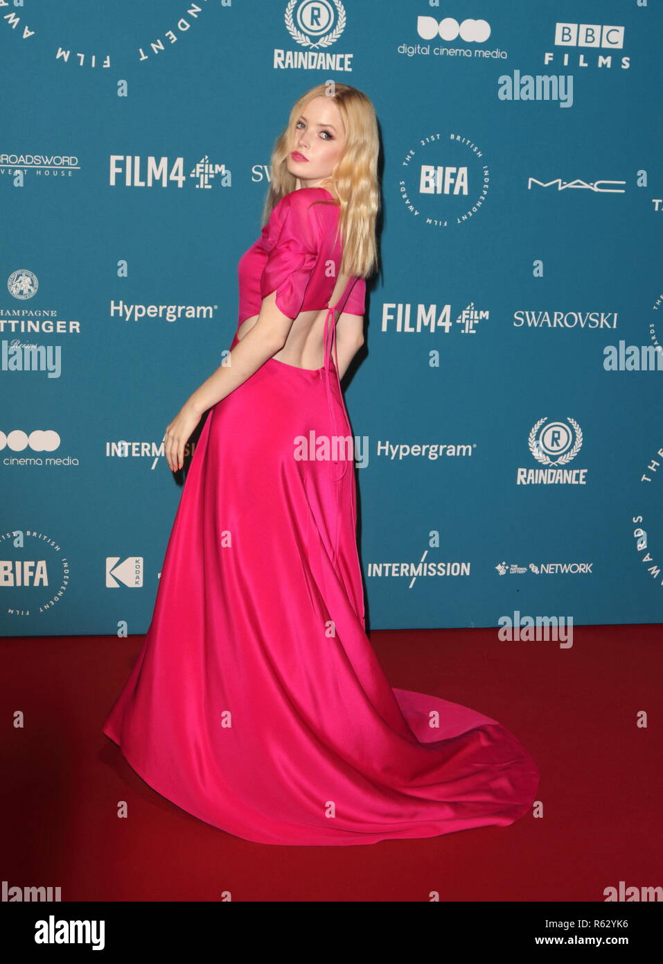 London, UK. 2nd Dec, 2018. Ellie Bamber seen during the British Independent Film Awards at the Old Billingsgate. Credit: Keith Mayhew/SOPA Images/ZUMA Wire/Alamy Live News - Stock Image