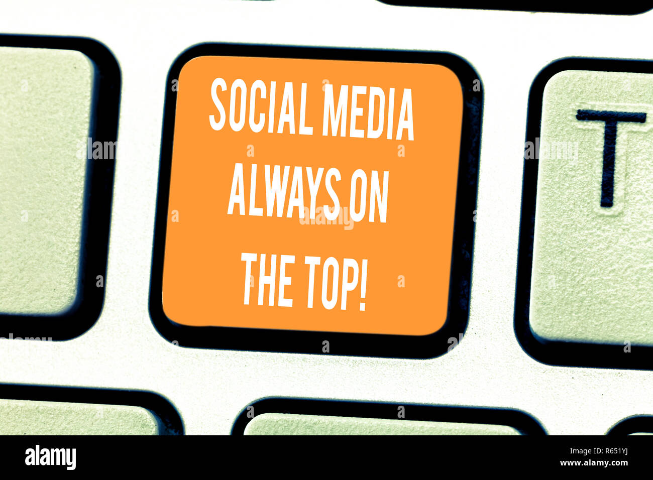 Handwriting text writing Social Media Always On The Top. Concept meaning New digital communication technologies Keyboard key Intention to create compu - Stock Image