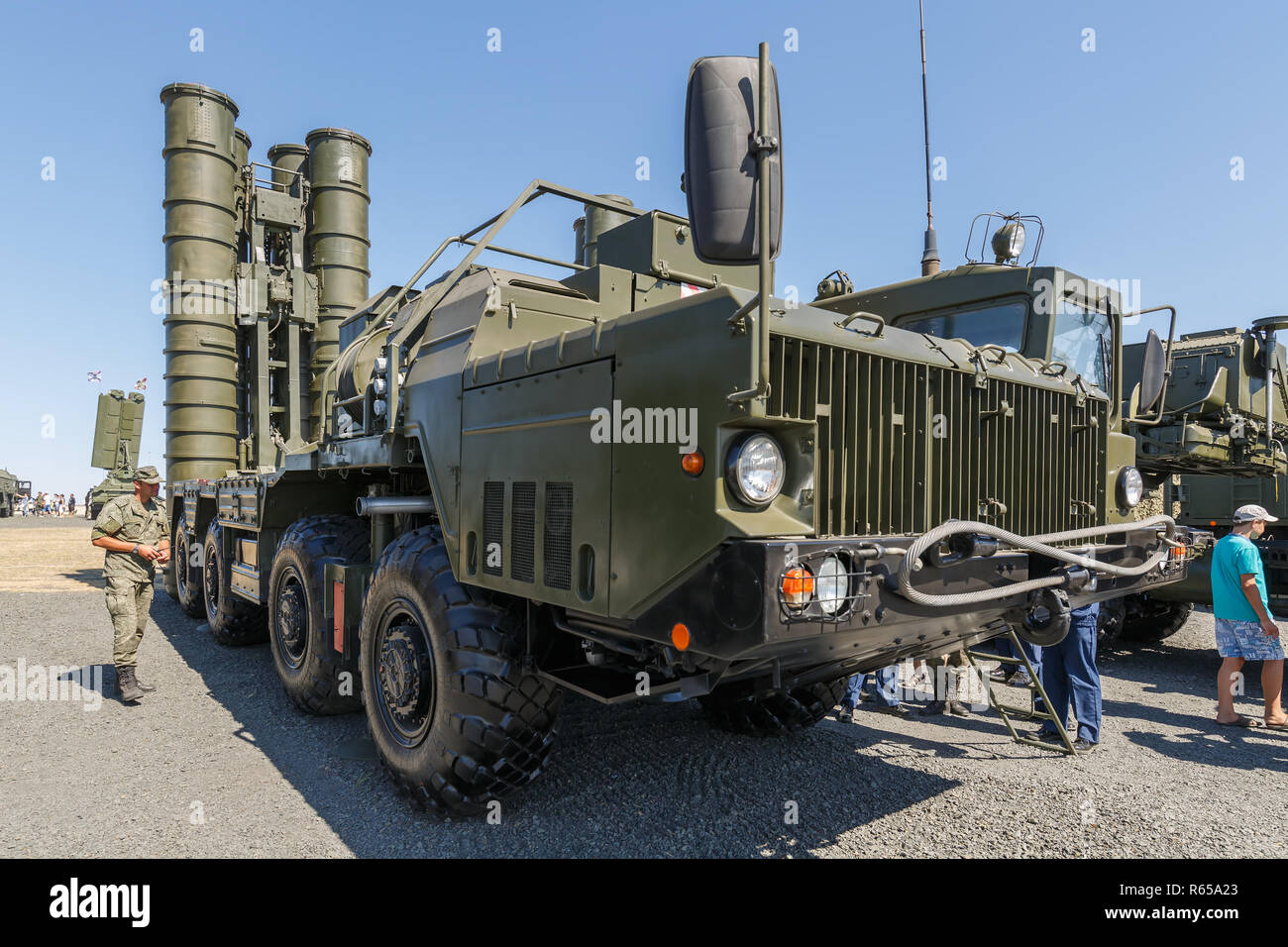 International military technical forum 'ARMY-2018». Russian anti-aircraft missile system S-400 «Triumph». Left side view - Stock Image