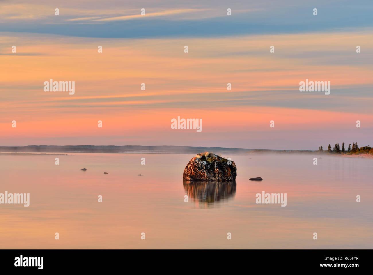 Morning mist over Ennadai Lake, Arctic Haven Lodge, Nunavut Territory, Canada - Stock Image