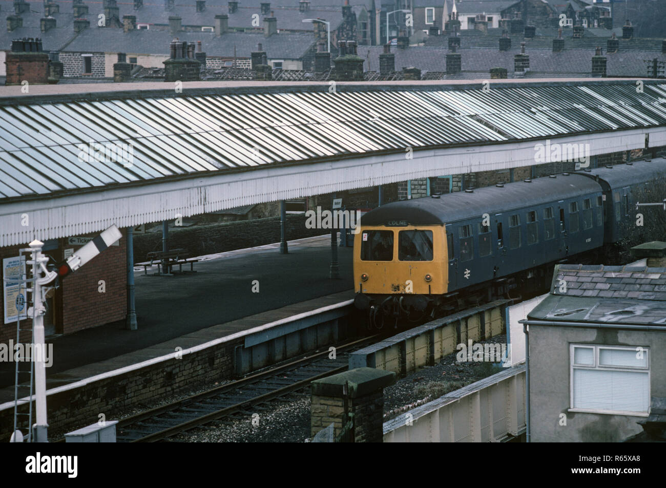 Diesel multiple Unit in Nelson Station on the Preston to Colne railway - Stock Image