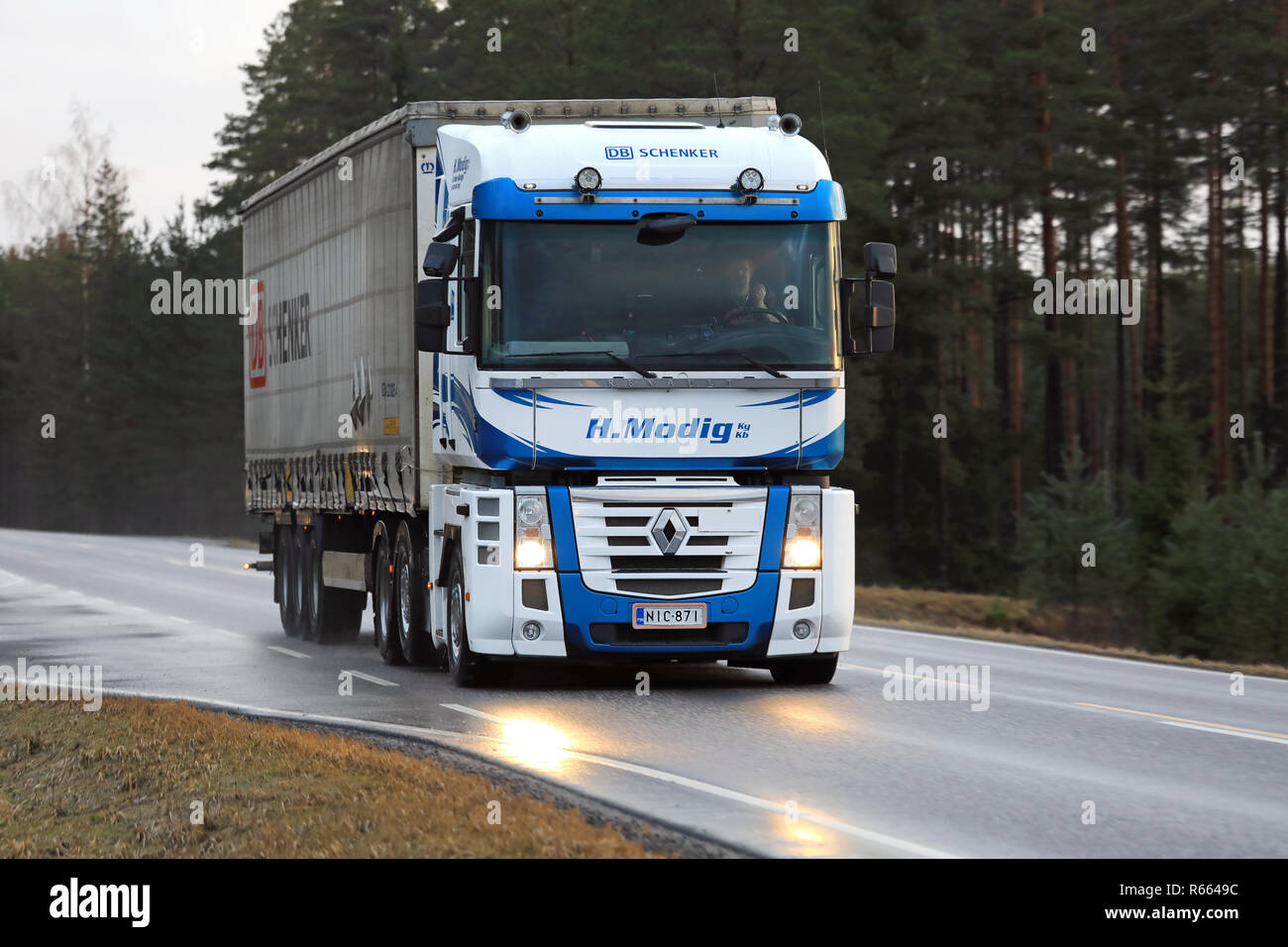 renault magnum high resolution stock photography and images alamy https www alamy com salo finland december 8 2017 blue and white renault magnum truck of helmer modig oy pulls db schenker trailer along wet highway in early winter image227557832 html