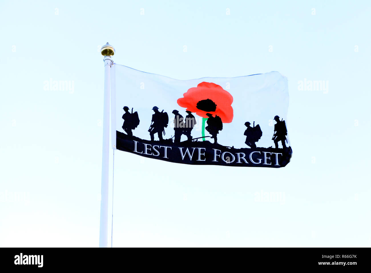 Lest We Forget, Remembrance, flag, banner, fallen heroes, military, We Shall Remember Them, UK - Stock Image