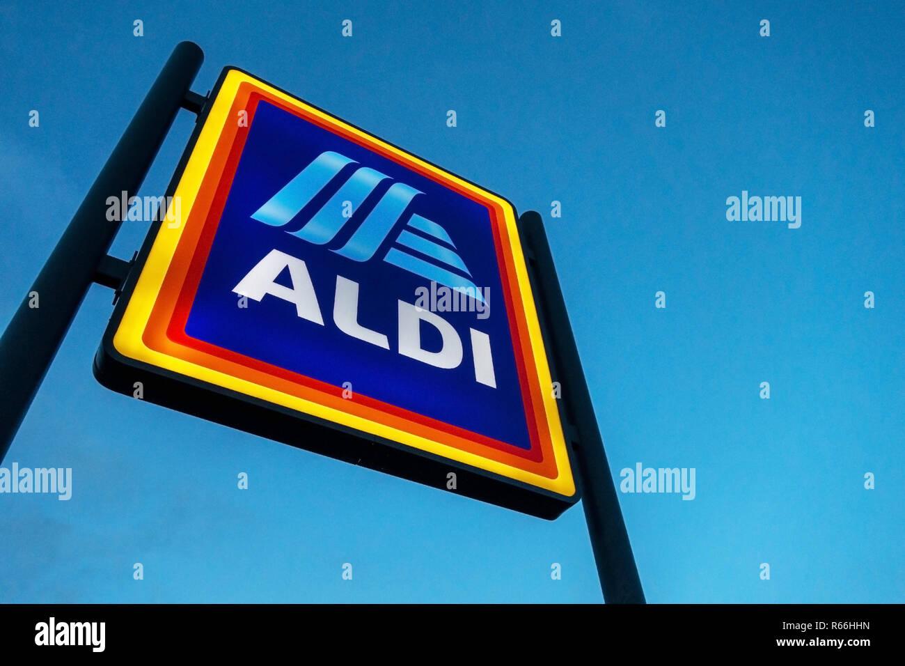 illuminated Aldi Sign at dusk in Dinnington, Rotherham UK - Stock Image