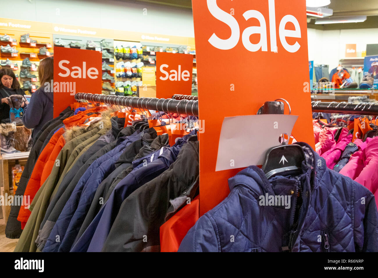 f52af81369a Racks Of Clothes Stock Photos   Racks Of Clothes Stock Images - Alamy