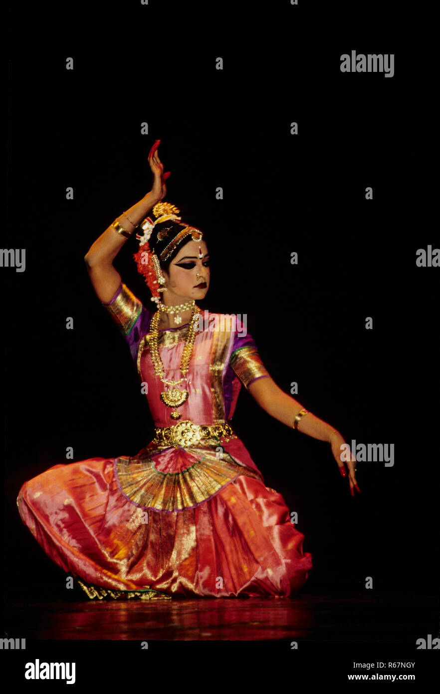 Kuchipudi Dance High Resolution Stock Photography And Images Alamy