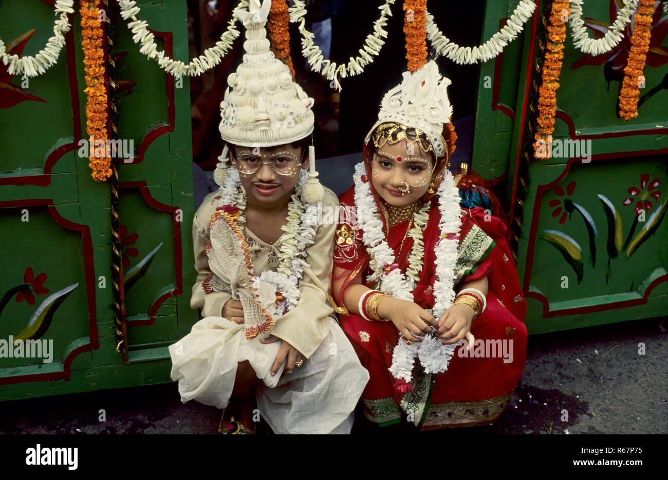 child marriage, bengali bride and bride groom, india Stock