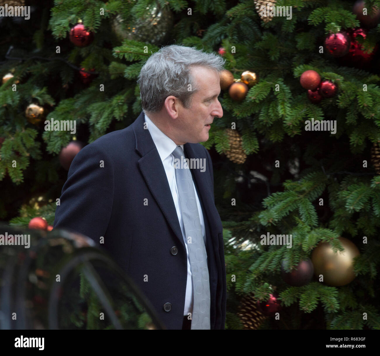 Downing Street, London, UK. 4 December 20188. Damian Hinds, Secretary of State for Education, in Downing Street for weekly cabinet meeting. Credit: Malcolm Park/Alamy Live News. - Stock Image