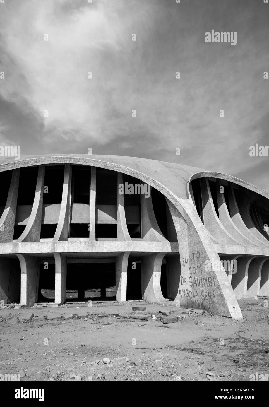 Cine Estudio, an abandoned movie theatre from the Portuguese colonial era, Namibe Province, Namibe, Angola - Stock Image