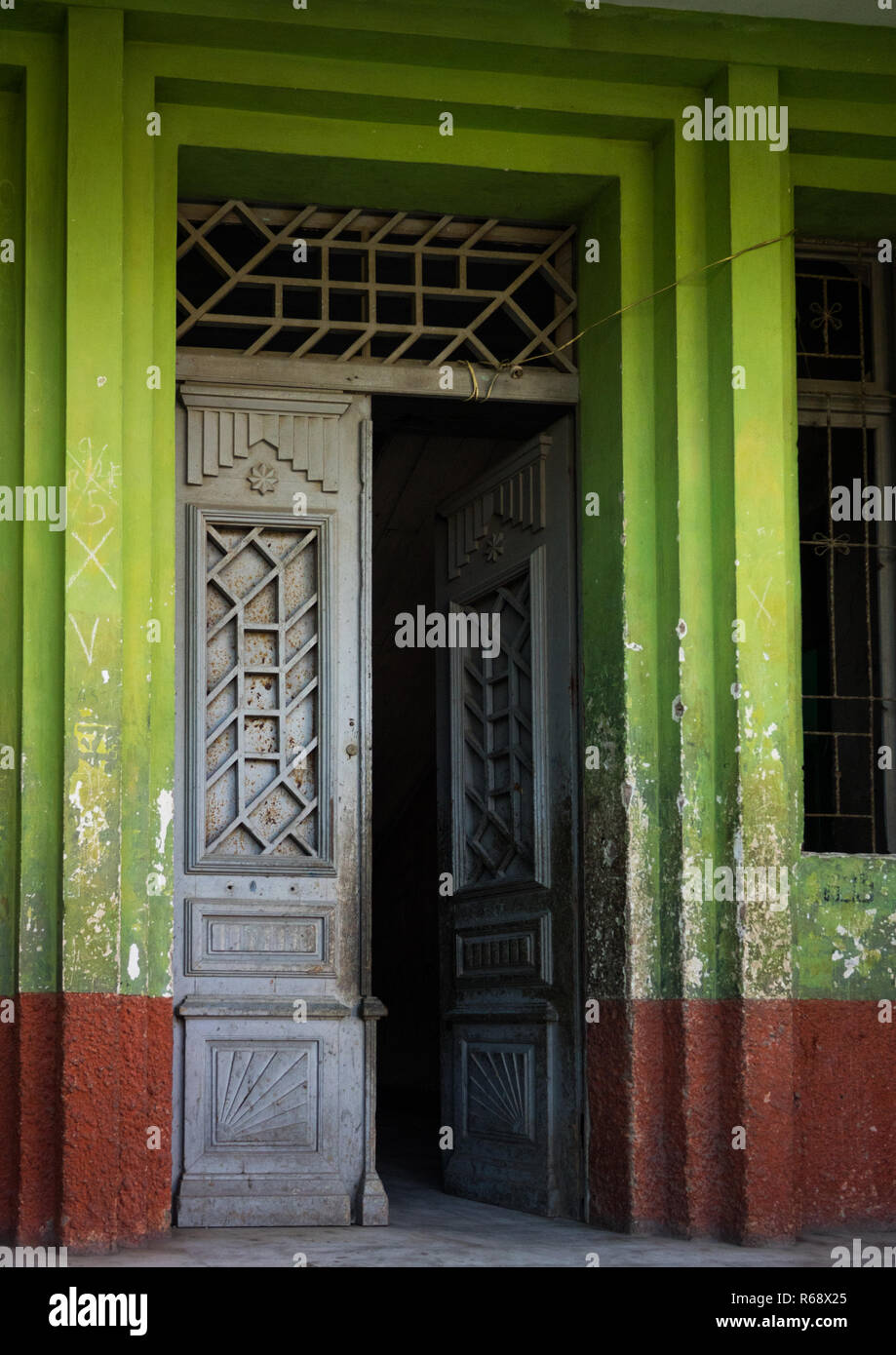 Old portuguese colonial building, Namibe Province, Namibe, Angola - Stock Image