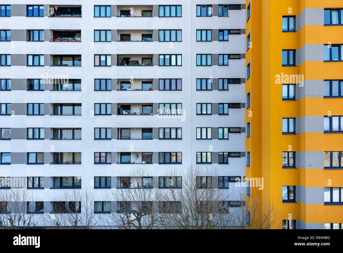 Social Housing In Berlin In The Märkische Quarter Stock Photo