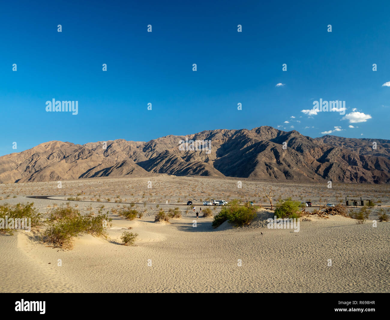 Death Valley, Mojave Desert road, California, USA: The hottest place on Earth - Stock Image