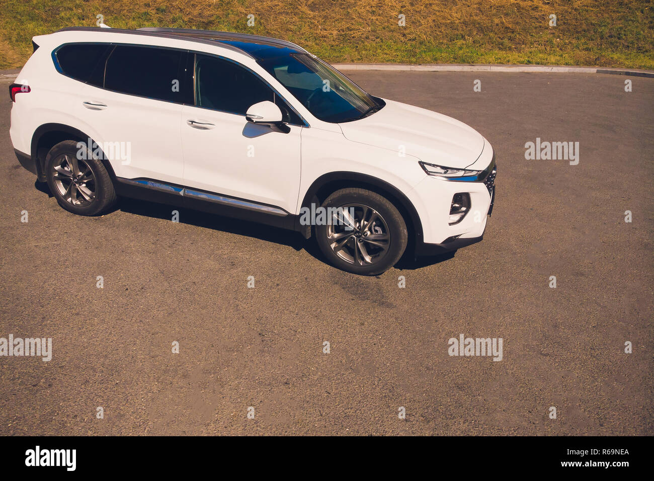 UFA, RUSSIA - 1 AUGUST 2018: Hyundai Santa Fe 2018 new suv car view from above - Stock Image