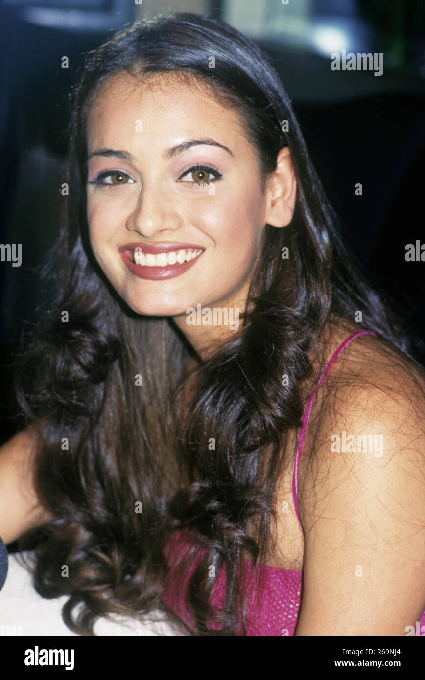 South Asian Indian Bollywood Actress High Resolution Stock Photography And Images Alamy