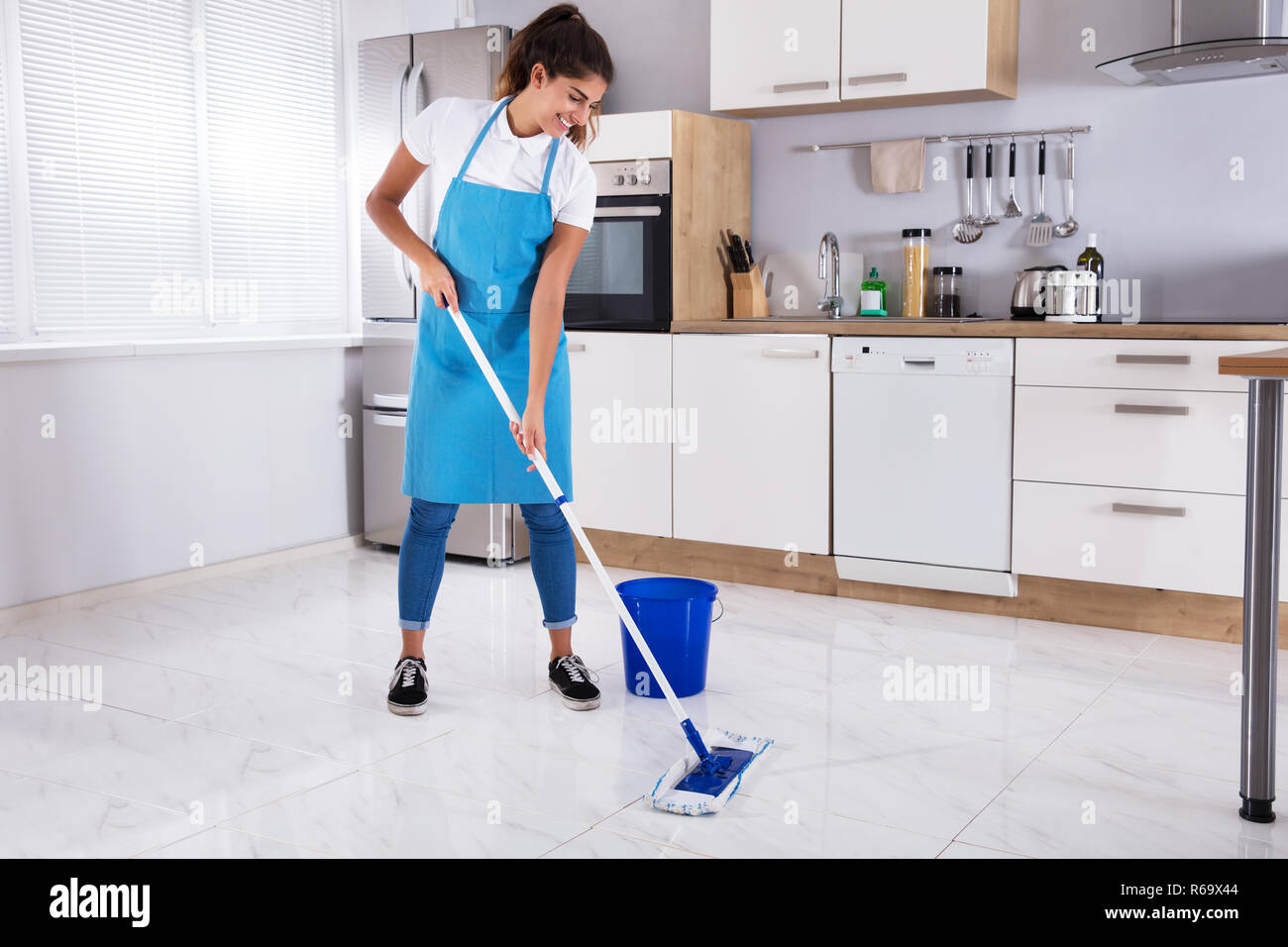 Housewife Cleaning Lady Mop High Resolution Stock Photography And Images Alamy