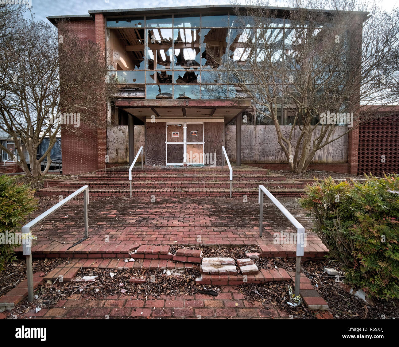 Abandoned And Vandalized Dixie Furniture Plant Office And Showroom Building Lexington North Carolina Industrial Manufacturing That Had Moved Away Stock Photo Alamy