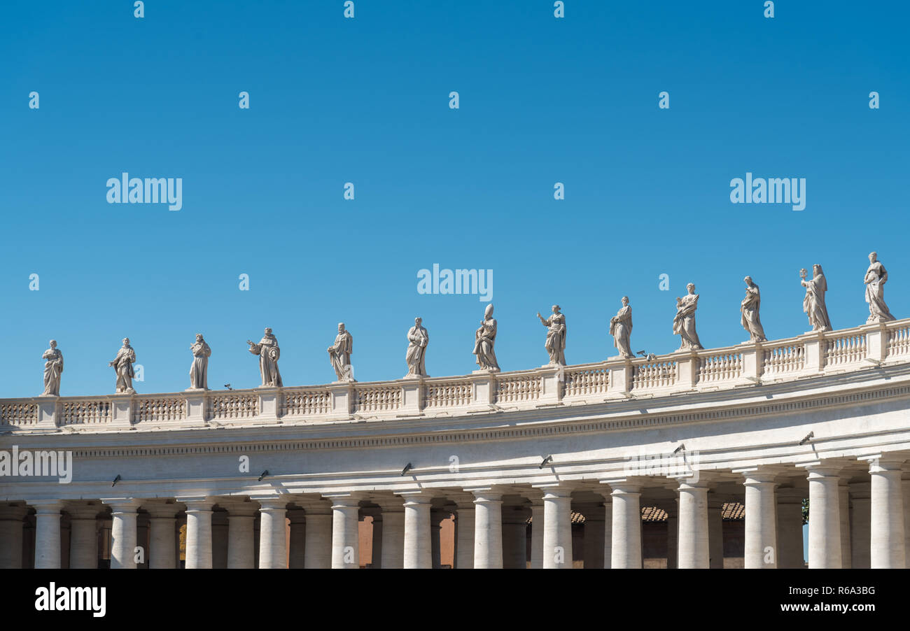 St. Peter's Square Statues on Bernini's Colonnade, Vatican City, Rome, Italy - Stock Image