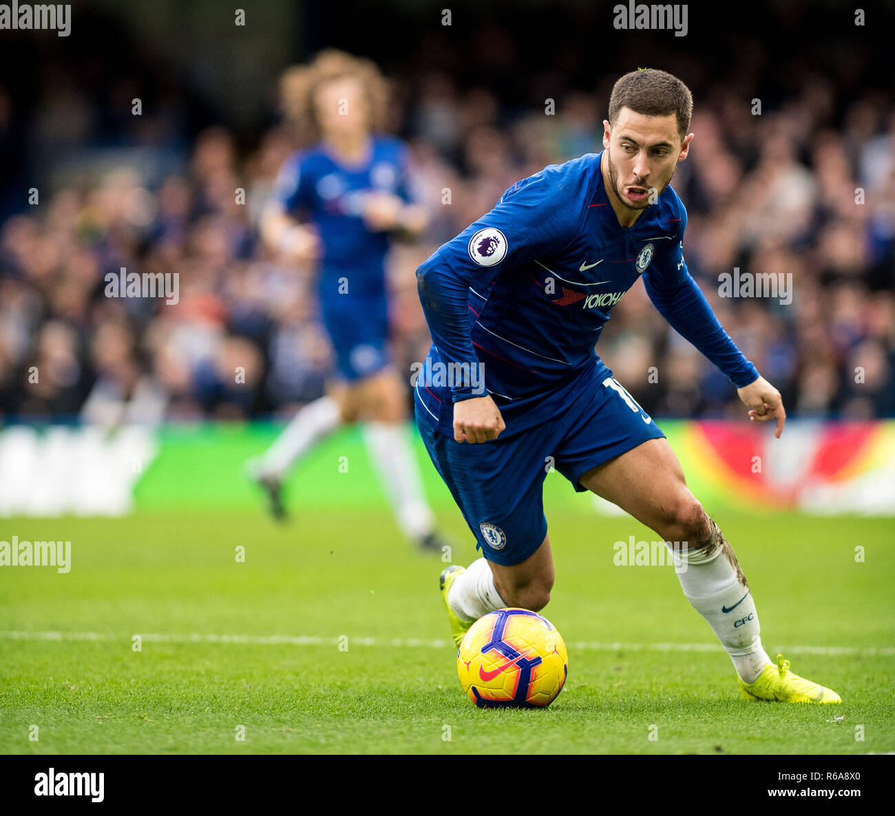 LONDON, ENGLAND - DECEMBER 02: Eden Hazard of Chelsea FC control ball during the Premier League match between Chelsea FC and Fulham FC at Stamford Bridge on December 2, 2018 in London, United Kingdom. (Photo by Sebastian Frej/MB Media/Getty Images) - Stock Image