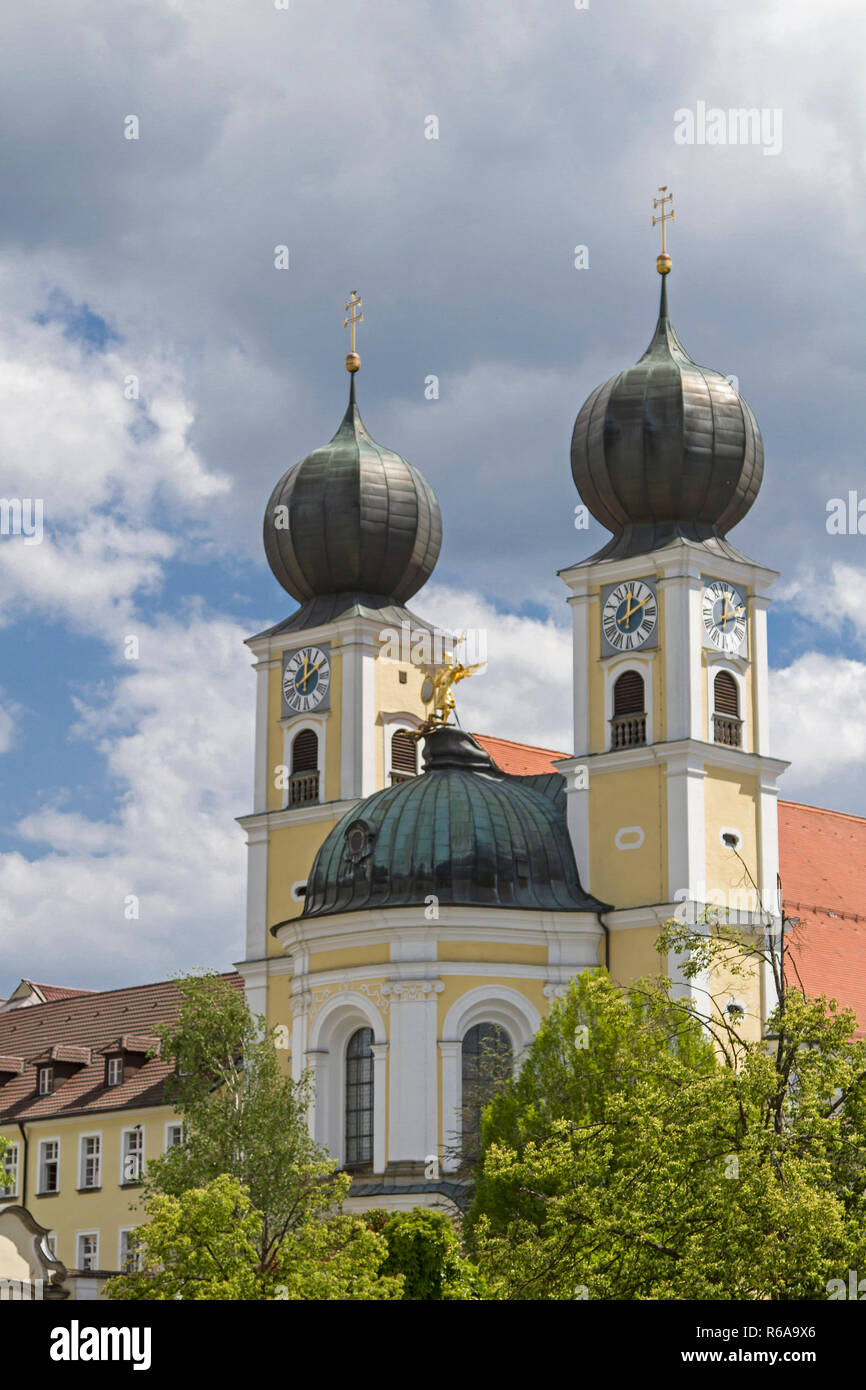 The Monastery Metten Also Called Abbey Of St. Michael The Archangel Lies In Lower Bavaria And Belongs To The Benedictine Order Stock Photo