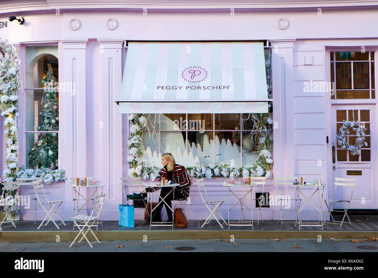 Cake Decoration Shop High Resolution Stock Photography And Images Alamy