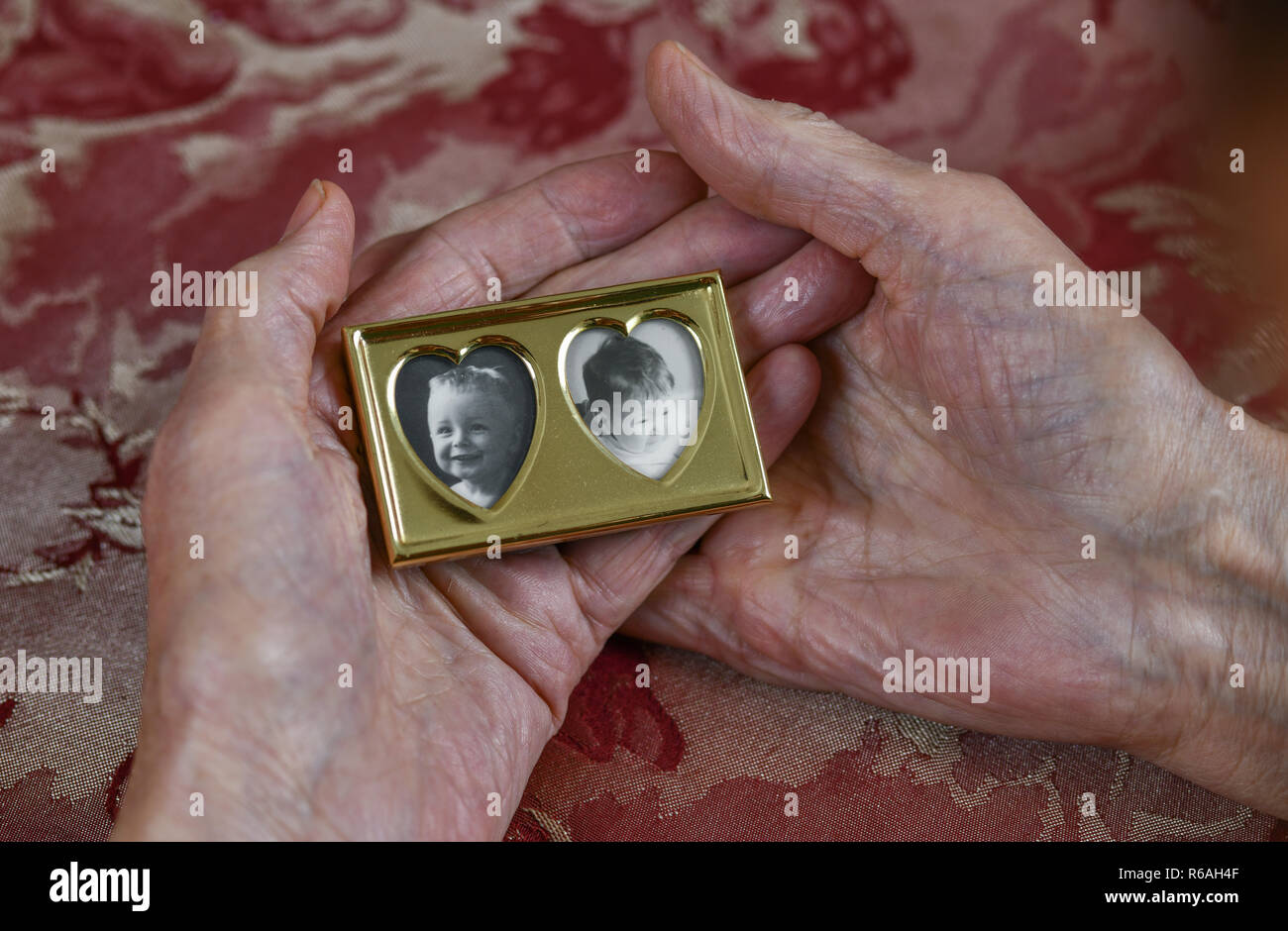 Symbolic photo, motherly love, picture frame, recollection, Symbolfoto, Mutterliebe, Bilderrahmen, Erinnerung - Stock Image