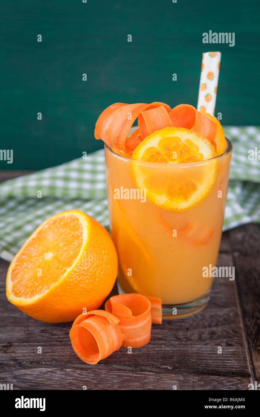 Orangen-Karotten-Saft Stock Photo