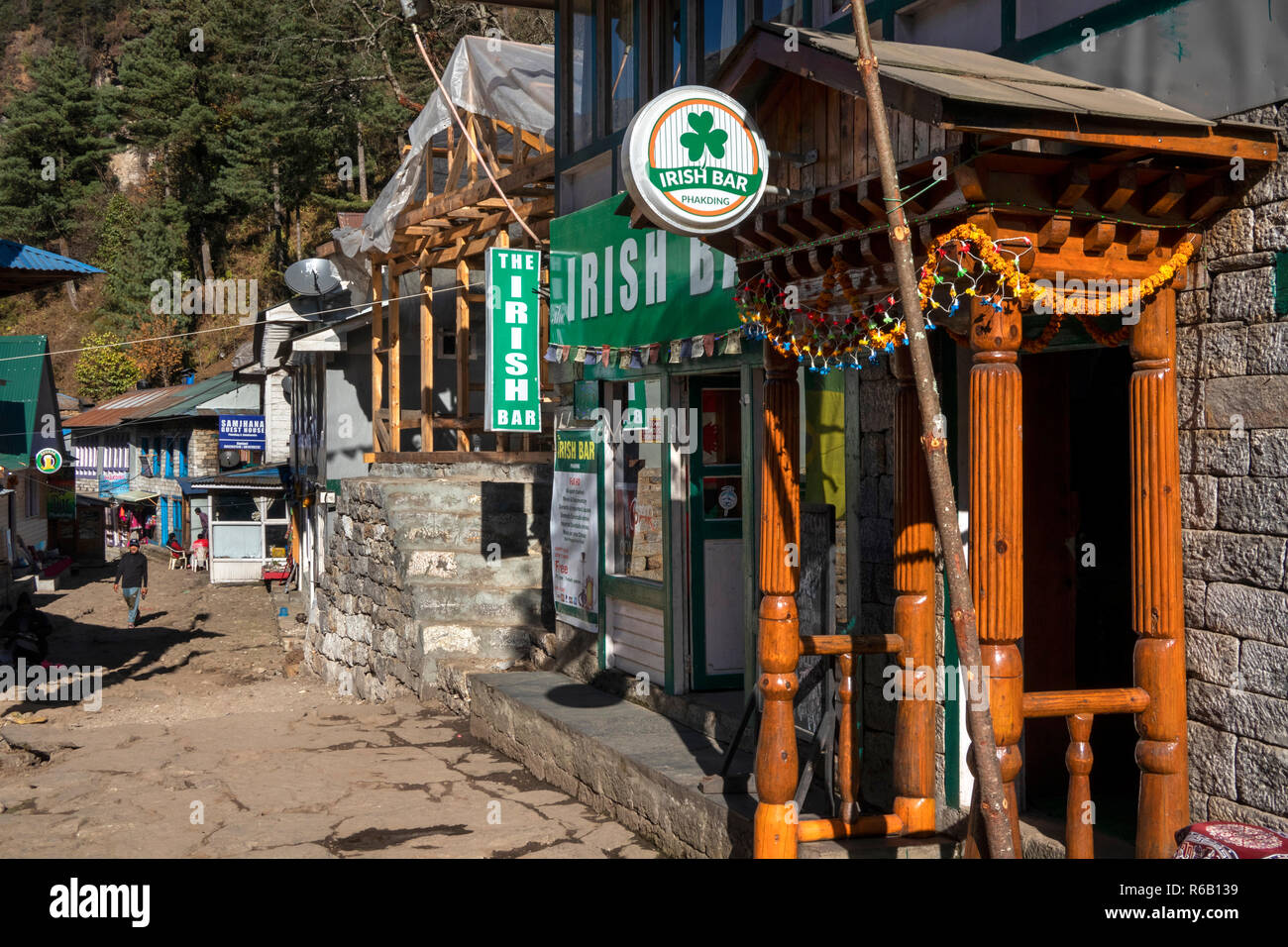 Nepal, Phakding, The Irish Bar, themed bar aimed at trekkers beside Everest Base Camp Trek path - Stock Image