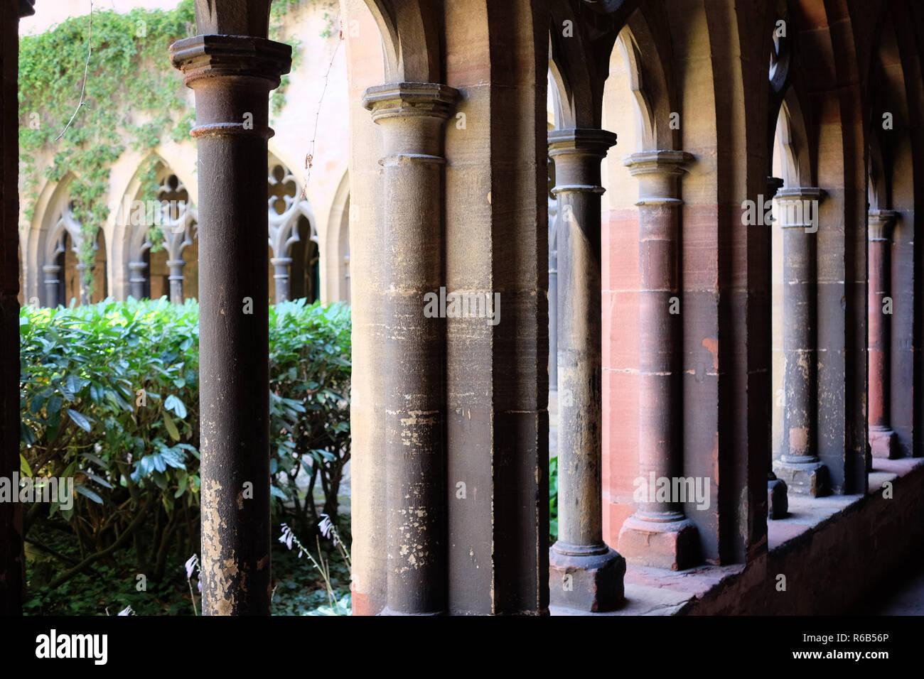 MUSEÉ UNTERLINDEN . MUSEUM UNTERLINDEN . COLMAR - Stock Image