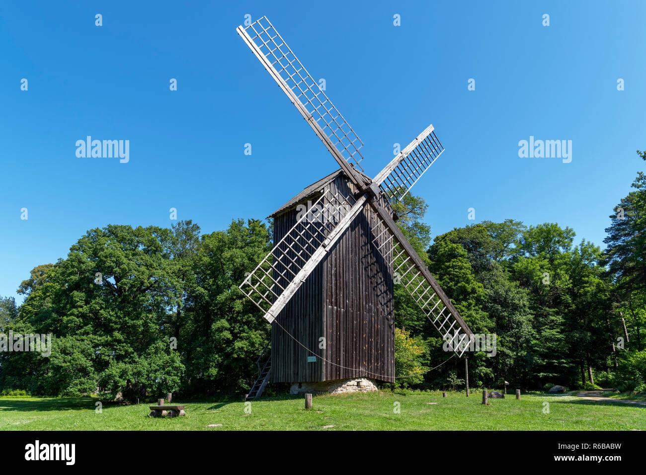 The late 19th century Nätsi windmill from Läänemaa County, Estonian Open Air Museum (Vabaõhumuuseum), Tallinn, Estonia - Stock Image
