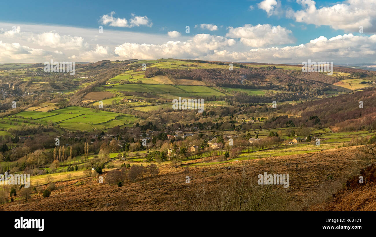 This is the fantastic view from Curbar Edge in the Peak District National Park. Looking East over the Calver Valley. - Stock Image