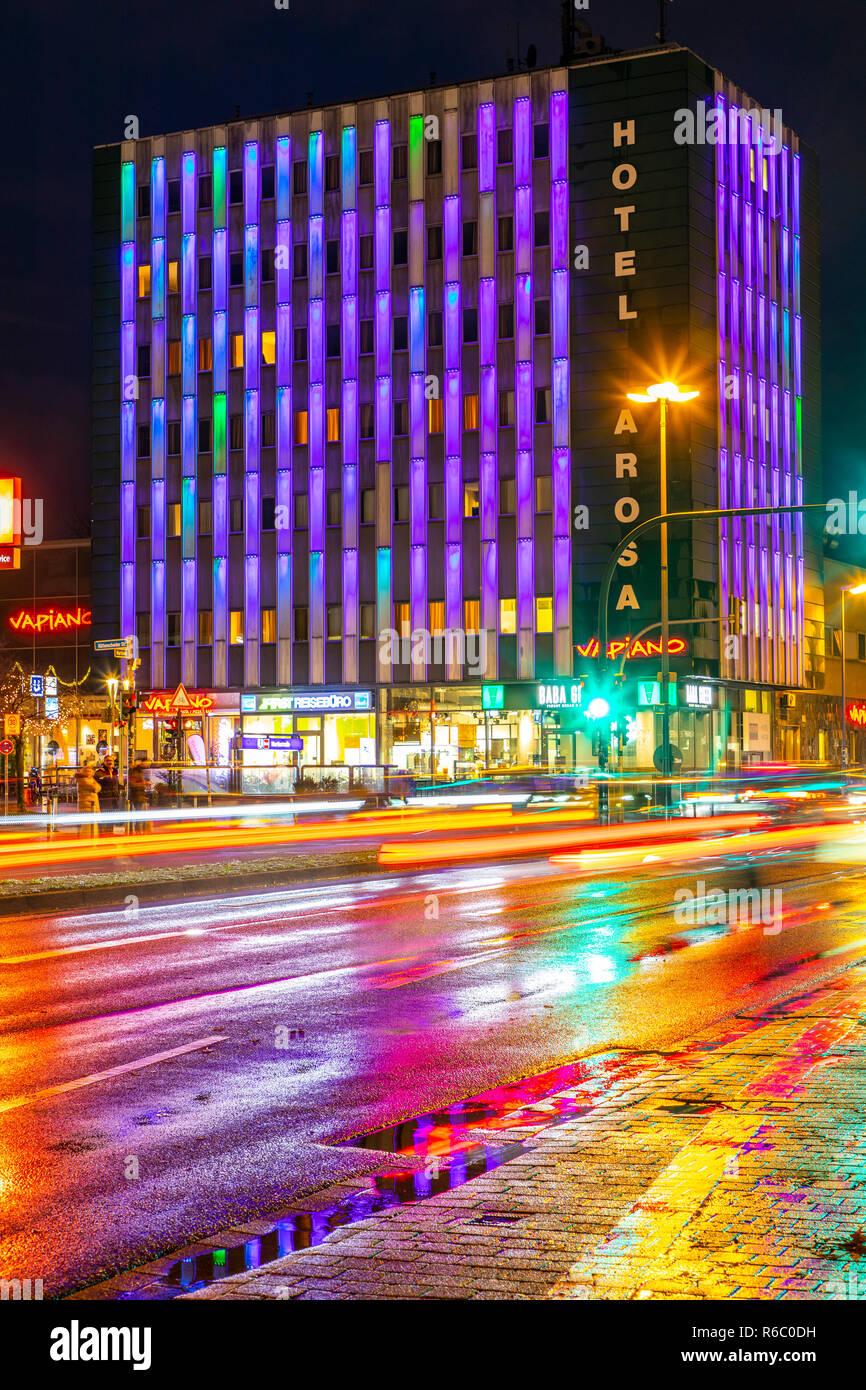 Novum Hotel Arosa Essen, mit LED beleuchtete Fassade, in Essen Rüttenscheid, - Stock Image
