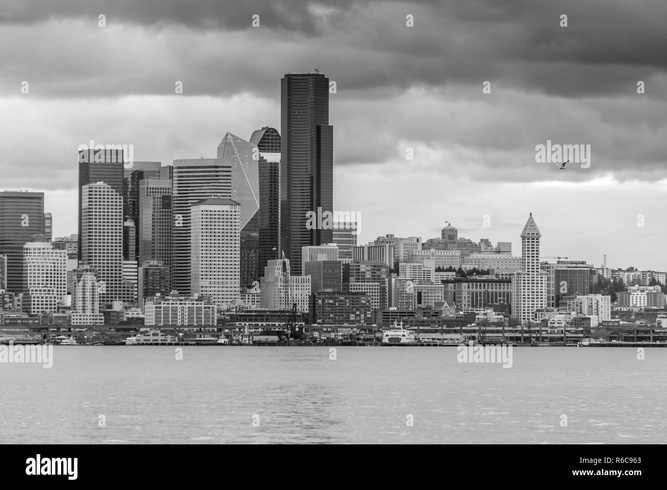 A view of the Seattle skyline as night approaches. Black and white image. - Stock Image