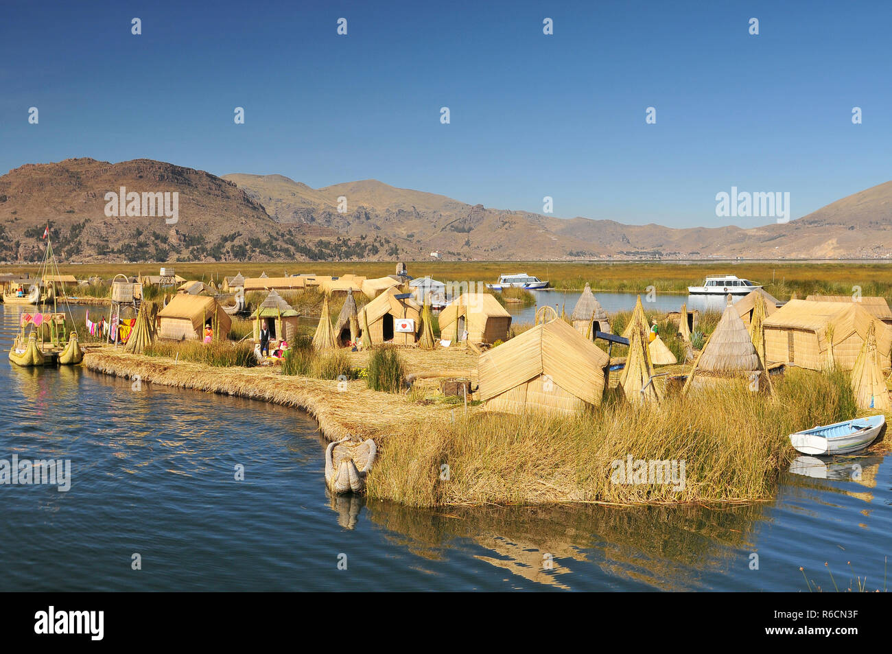Peru, South America, Titicaca Lake, Uros Indian, Uros Ayamaras, Floating Island - Stock Image