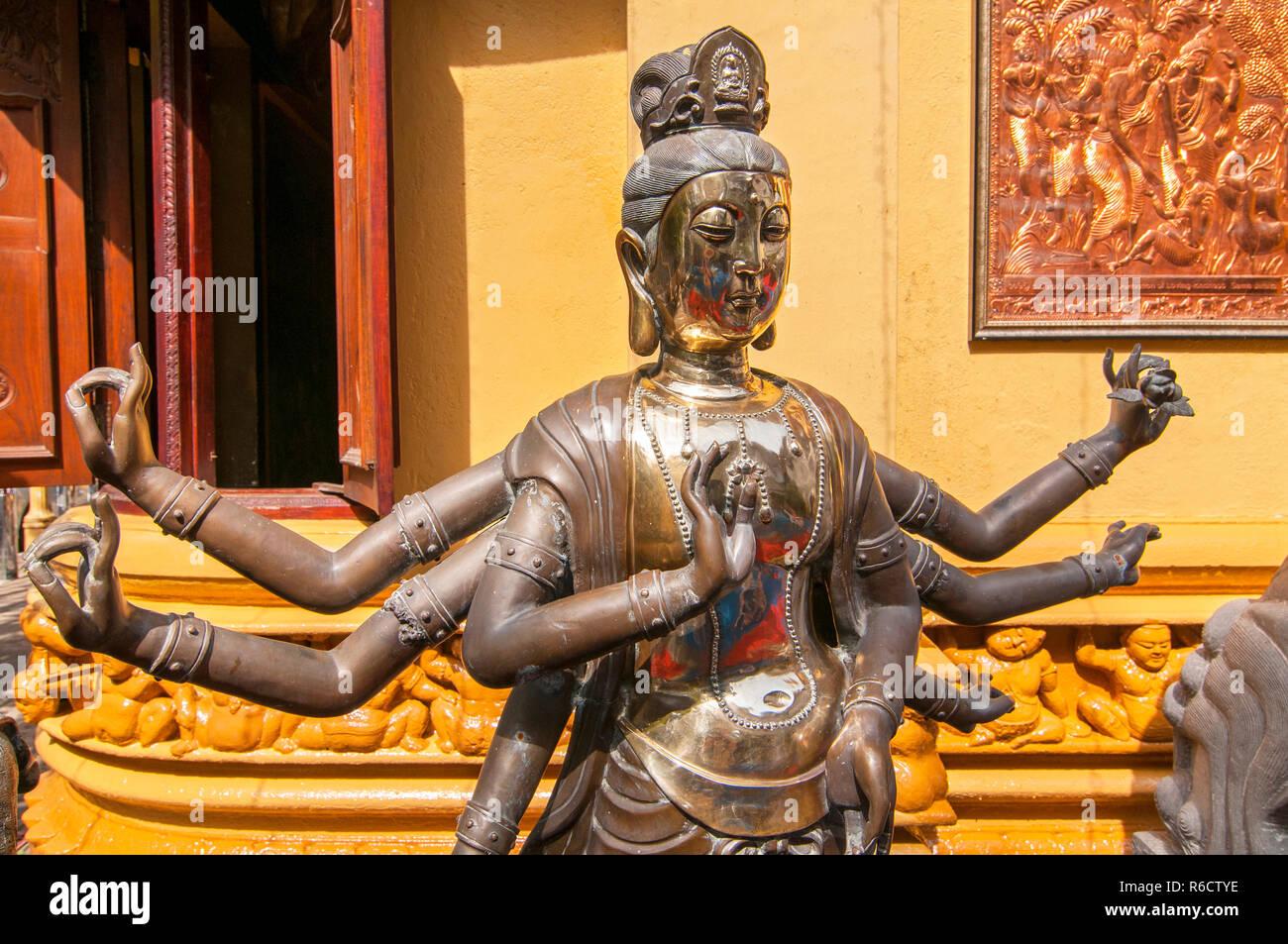 Statue Of The Buddha, Gangaramaya Buddhist Temple, Colombo, Sri Lanka Stock Photo