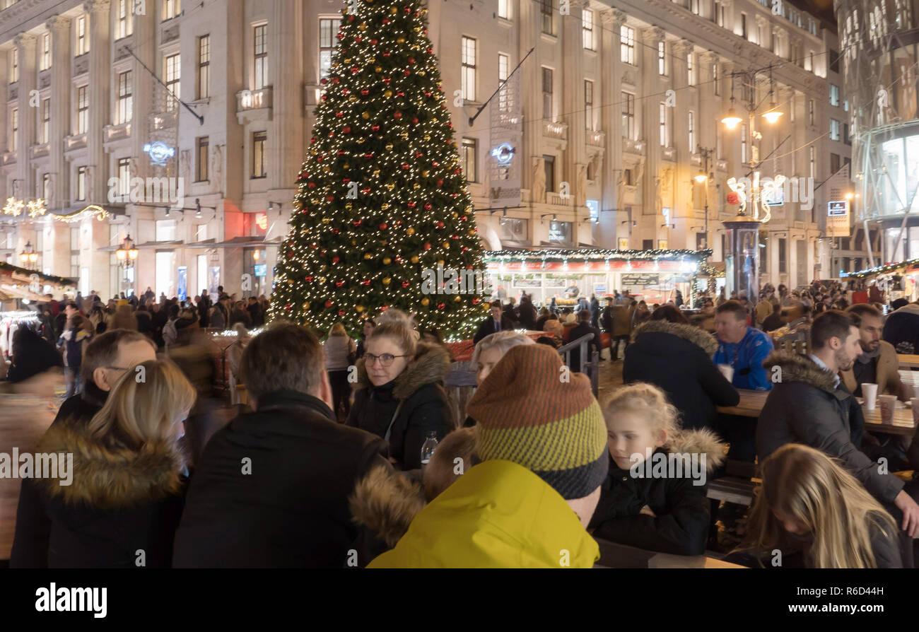 Budapest Christmas Market 2018.181205 Budapest Dec 5 2018 Xinhua People Visit A