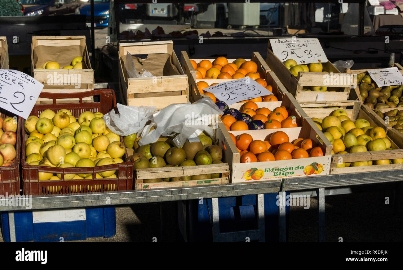 Southwest France. Market day in the market  town of Marciac in the Dept.of Gers. - Stock Image