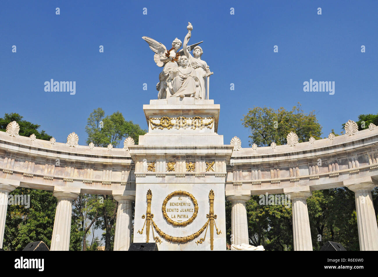 Monument To Benito Juarez, Neoclassical Monument Made Of Marble To Benito Juarez, Mexico'S First Indigenous President Located In The Historic Center O Stock Photo