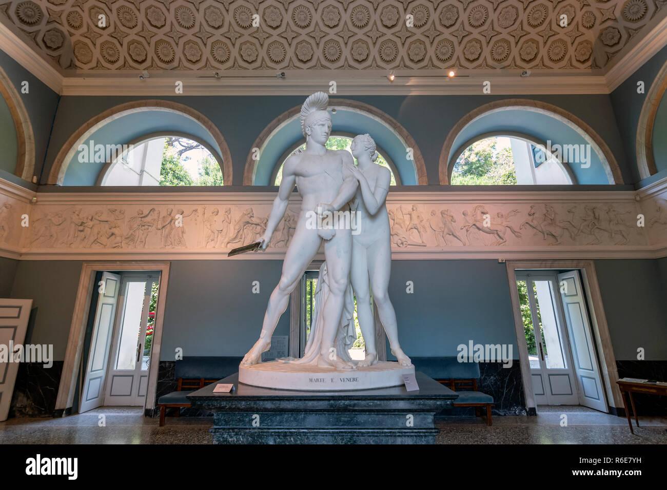 Statue Of Mars And Venus By Luigi Acquisti, Villa Carlotta ...