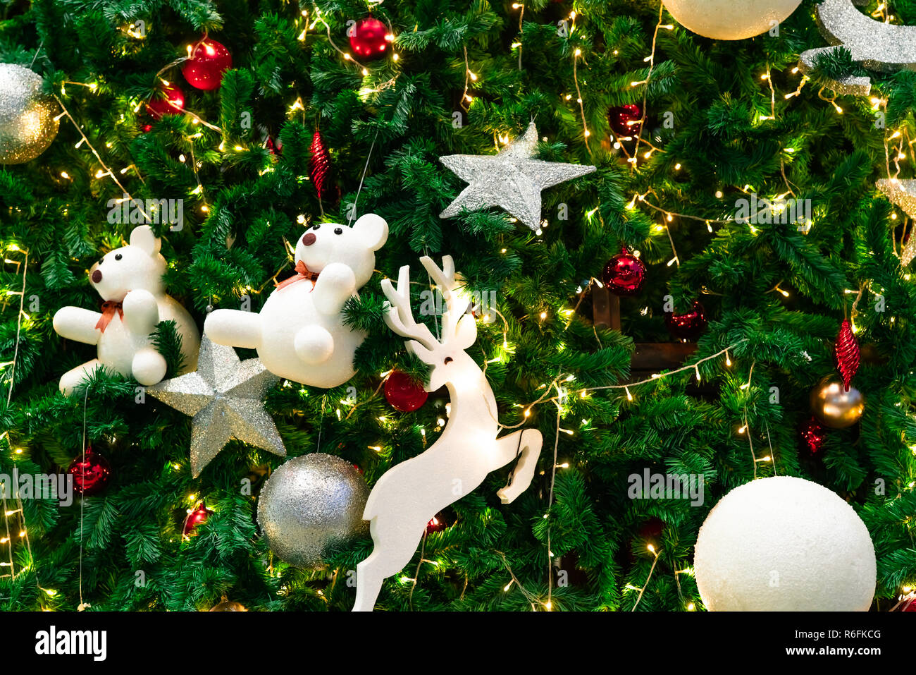 Blurred Red Green And Gold Bokeh Background Of Christmas Tree Xmas Background Christmas And Happy New Year Holiday Background Beautiful Bokeh Bac Stock Photo Alamy