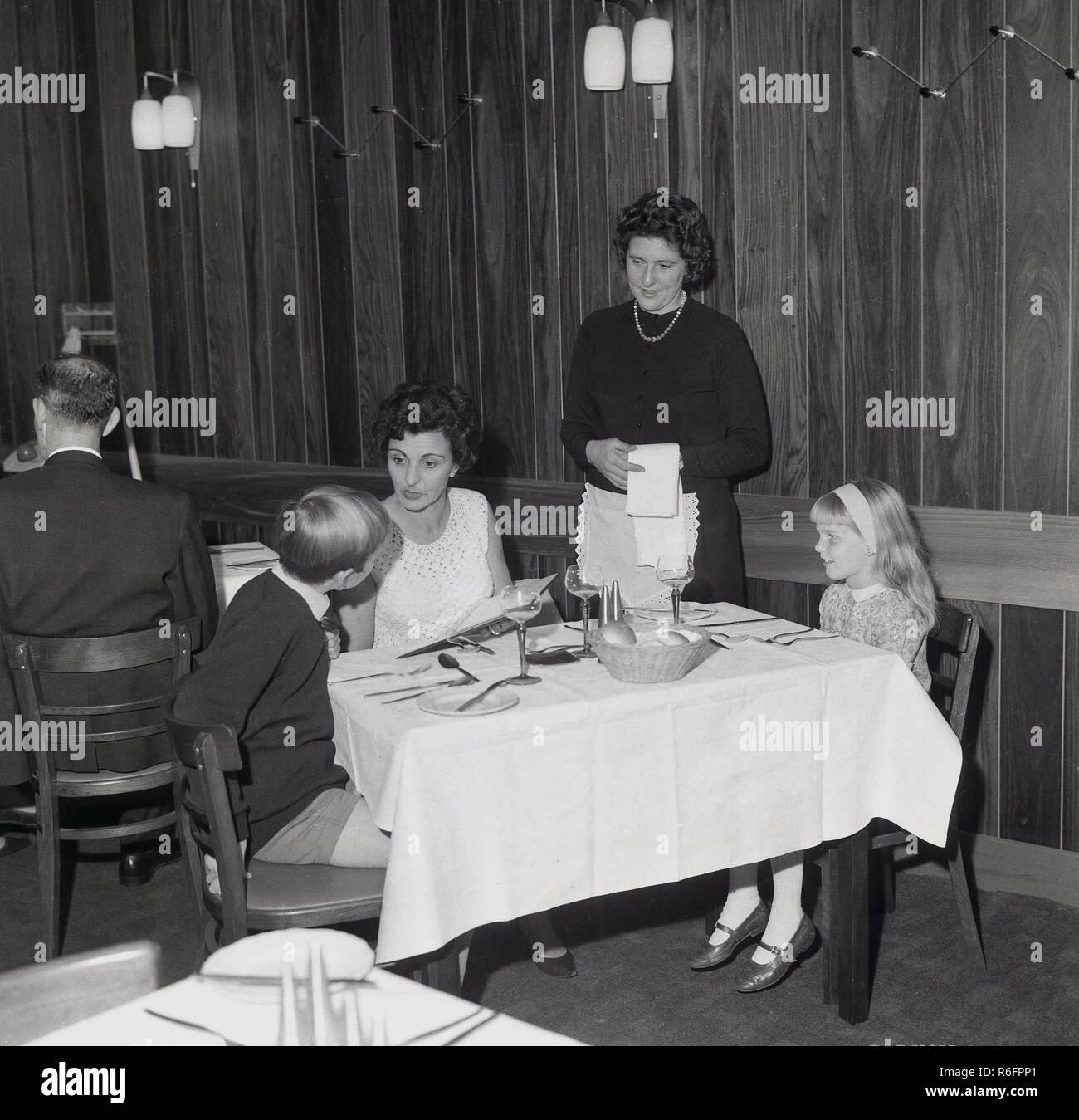 1960s Waitress Stock Photos Amp 1960s Waitress Stock Images