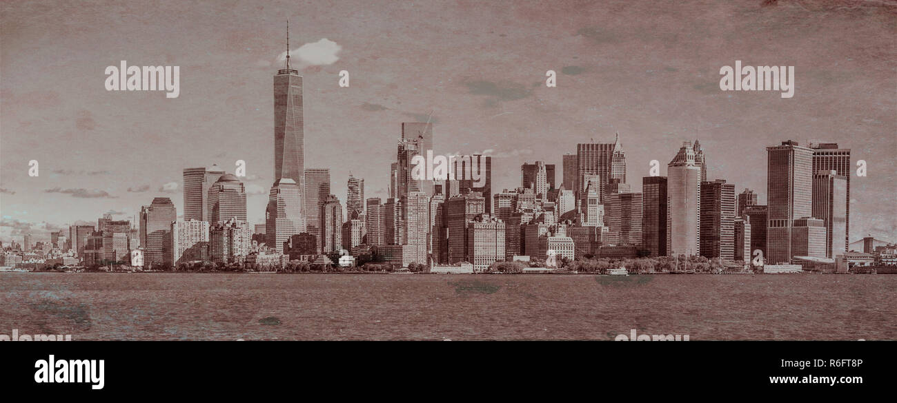 New York city skyline including the One Trade Center during the daytime - Stock Image