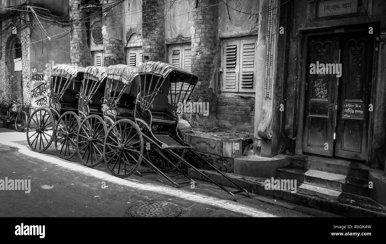 KOLKATA, WEST BENGAL, INDIA - OCTOBER 17, 2018: Traditional hand pulled indian rickshaw on the street of - Stock Image