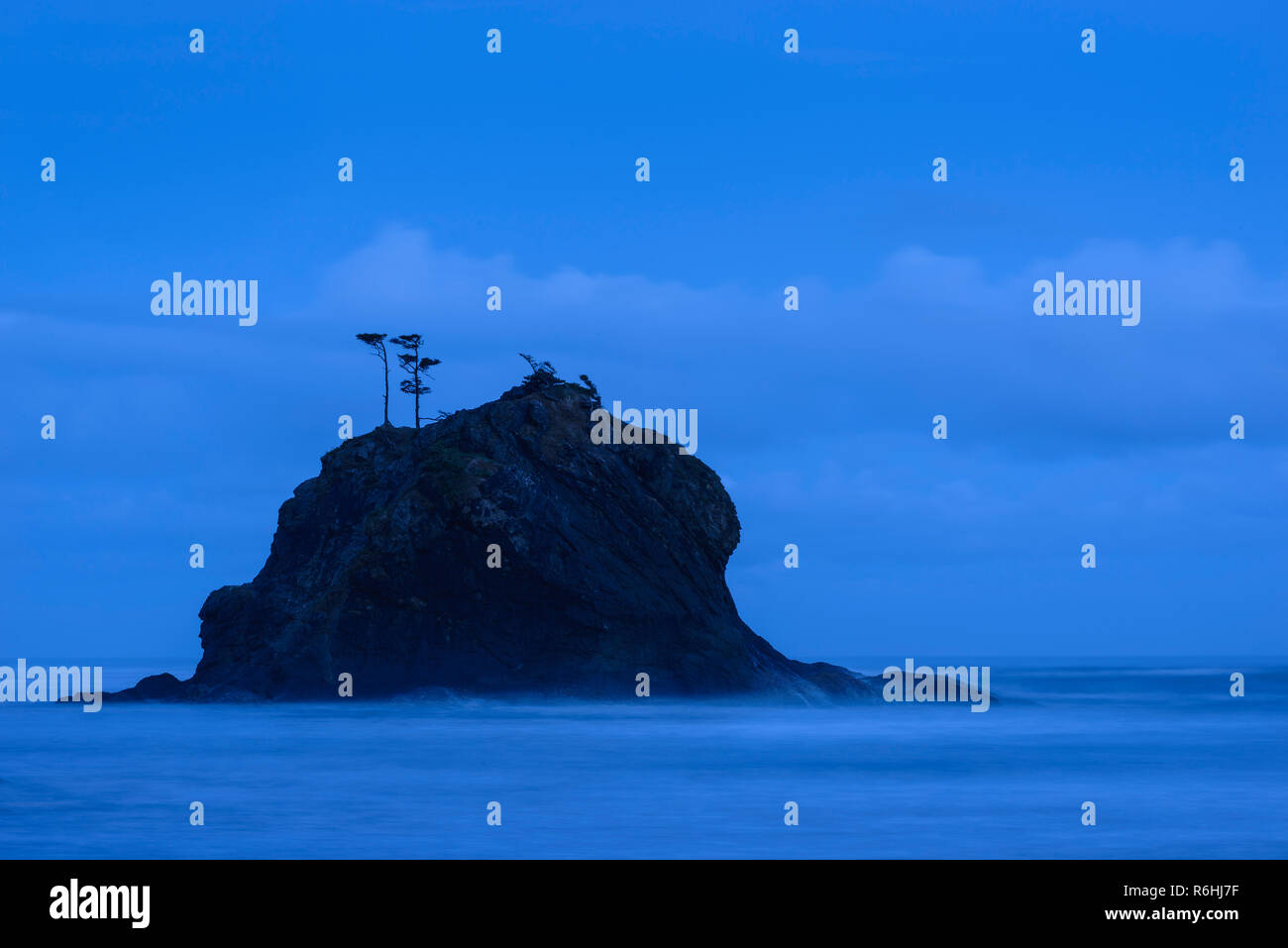 Blue hour at Second Beach, Olympic National Park, Washington. - Stock Image