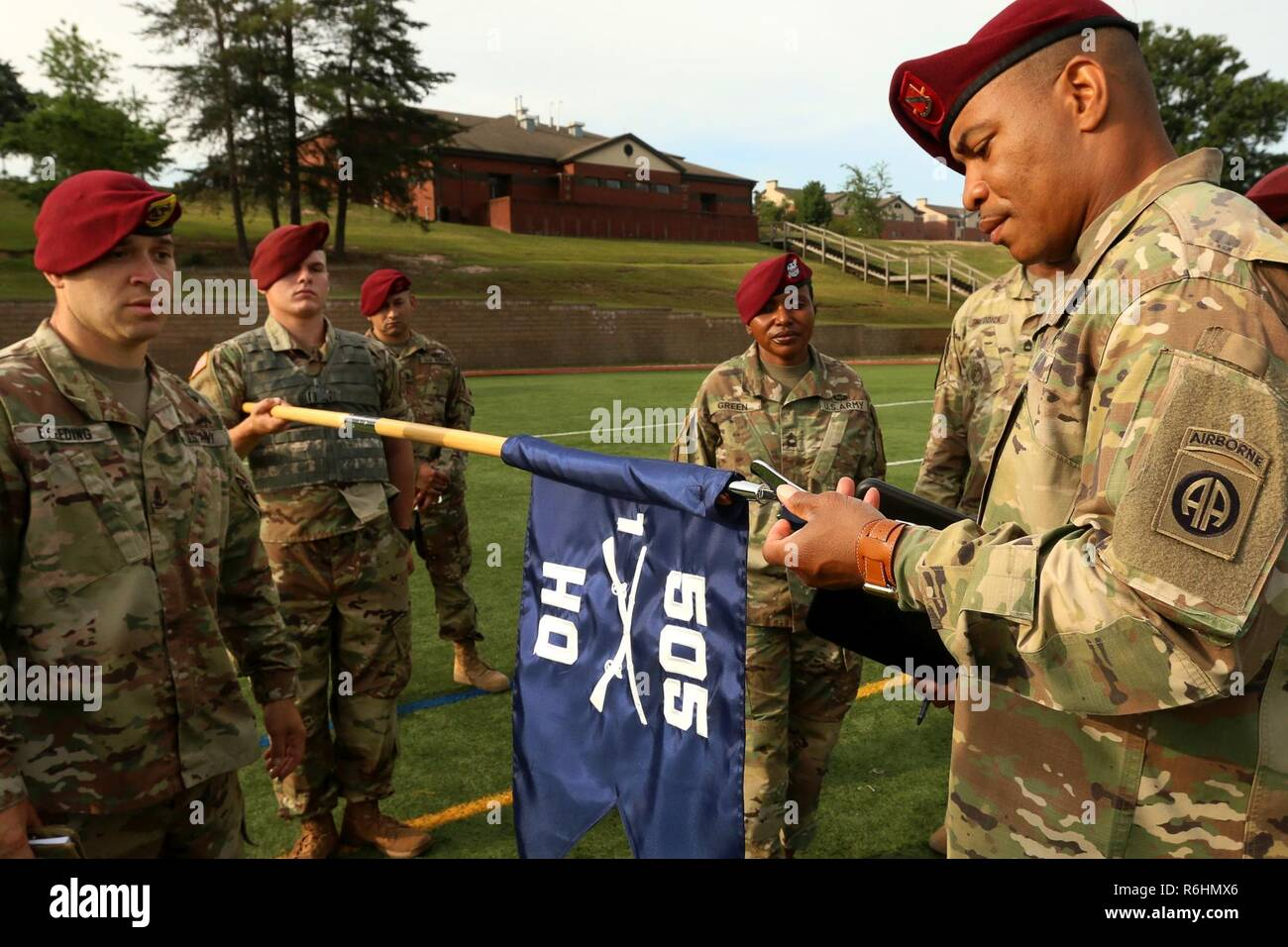 505 Parachute Infantry Regiment Stock Photos & 505 Parachute