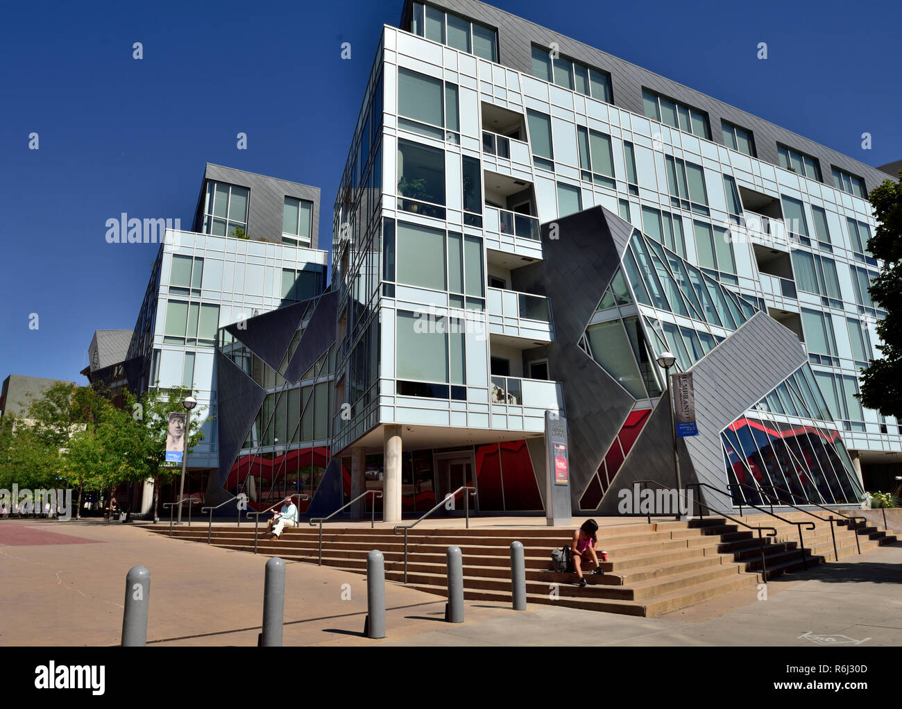 Downtown Denver Civic Center, Modern Condo, apartments, with mix of rental and owner occupier units next to Denver Art Museum - Stock Image