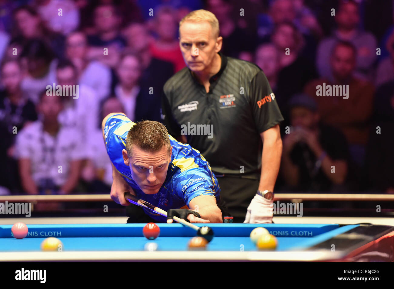 London, UK. 5th Dec, 2018. Alex Kazakis of Greece/Niels Feijen of The Netherlands during The Partypoker Mosconi Cup 2018: on Day 2 event - Niels Feijen/Alex Kazakis (EUR) v Skyler Woodward/Shane van Boening at Alexandra Palace on Wednesday, 05 December 2018. LONDON, ENGLAND. (Editorial use only, license required for commercial use. No use in betting, games or a single club/league/player publications.) Credit: Taka Wu/Alamy Live News - Stock Image